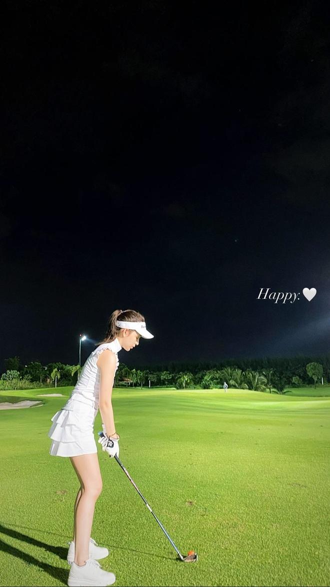 Cú đụng độ giữa Á hậu vs bạn gái thiếu gia ở sân golf, ai đẹp hơn hả các bạn? - ảnh 5