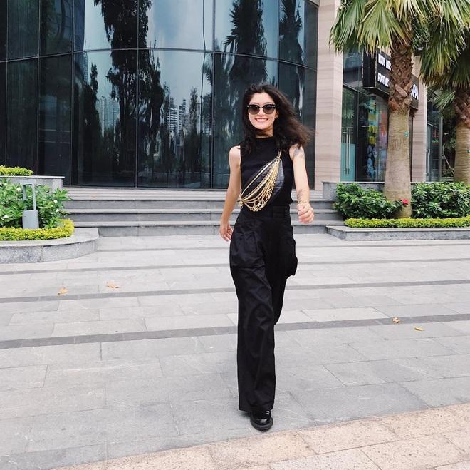 """Vợ Việt Max quá cool: Style cực """"swag"""" mà vẫn high fashion, diện đồ hiệu rất hay chứ không sến súa dù chỉ 1% - ảnh 2"""