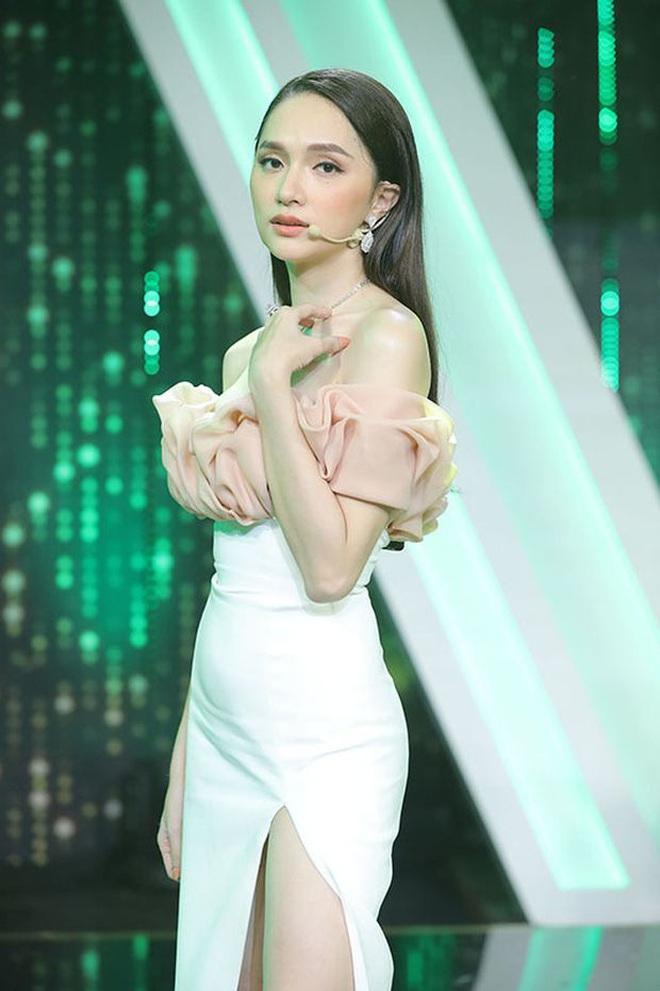 """Hương Giang kể lại trên sóng truyền hình: """"Khán giả ở dưới chỉ muốn cầm đá ném tôi, lúc đó tôi rất ghét Khắc Việt"""" - Ảnh 4."""
