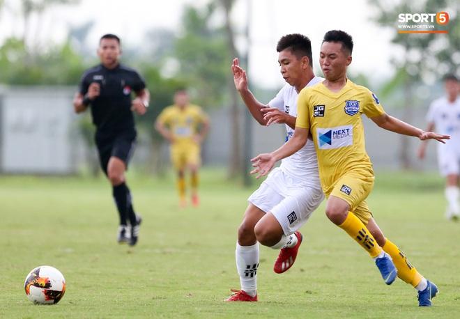 Dương Quang Trung Hiếu: Sát thủ triển vọng của bóng đá Việt với số áo kỳ lạ và ước mơ cao lớn như Ronaldo - ảnh 11