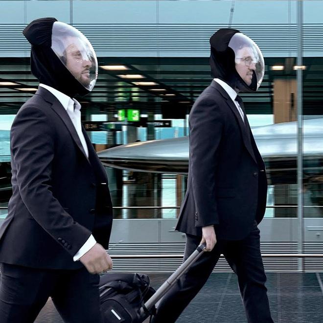 Mũ bảo hiểm chống dịch COVID-19 lạ nhất là đây, giống hệt đồ cho phi hành gia, giá 4,6 triệu đồng - ảnh 4