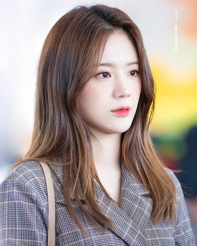 25 idol nữ có gương mặt đẹp nhất Kpop: Nữ thần Yoona - Suzy nhường hết chỗ cho BLACKPINK, Top 3 gây tranh cãi rầm rộ - ảnh 14