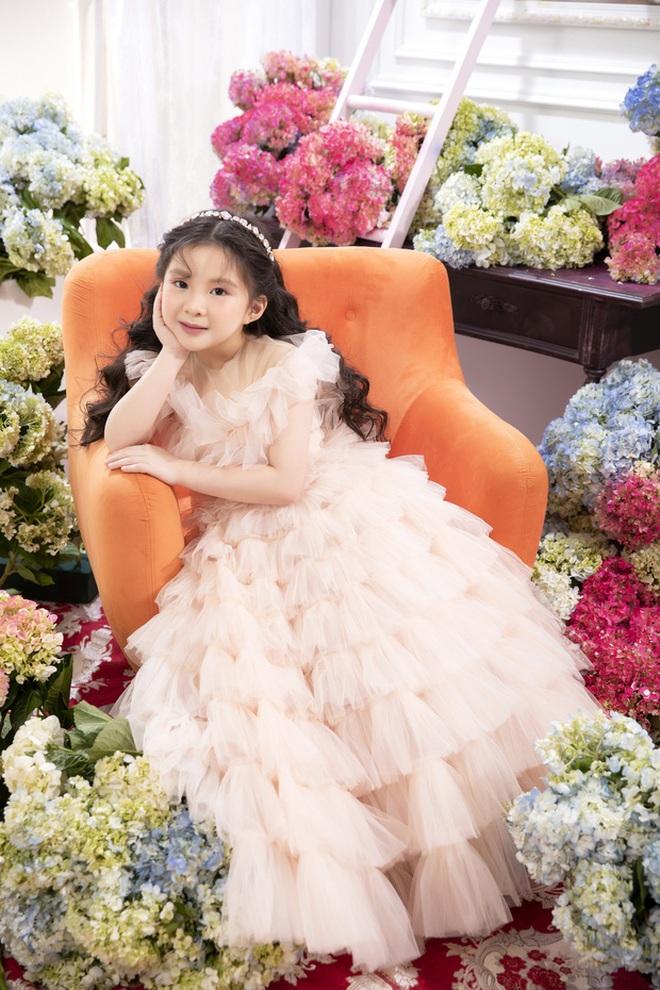 Dàn cháu gái cực phẩm của sao Việt: Lan Ngọc - Ngọc Trinh khoe toàn tiểu mỹ nhân, nhà Trang Nhung có tới 2 thí sinh Hoa hậu - Ảnh 3.