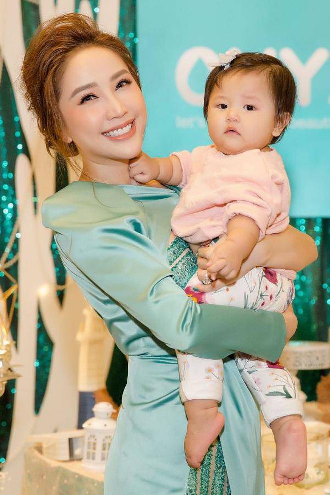 Dàn cháu gái cực phẩm của sao Việt: Lan Ngọc - Ngọc Trinh khoe toàn tiểu mỹ nhân, nhà Trang Nhung có tới 2 thí sinh Hoa hậu - Ảnh 25.