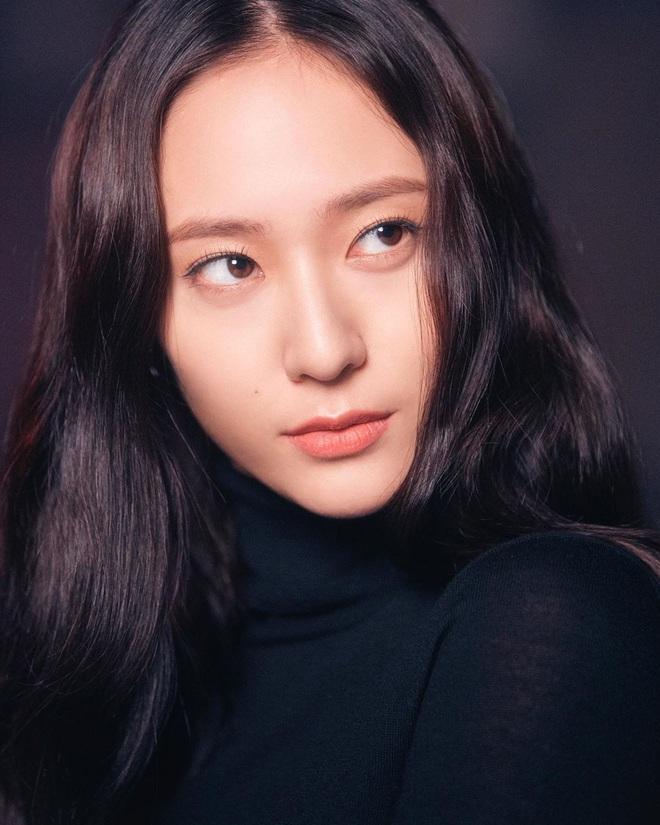 25 idol nữ có gương mặt đẹp nhất Kpop: Nữ thần Yoona - Suzy nhường hết chỗ cho BLACKPINK, Top 3 gây tranh cãi rầm rộ - ảnh 4
