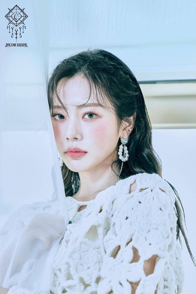 25 idol nữ có gương mặt đẹp nhất Kpop: Nữ thần Yoona - Suzy nhường hết chỗ cho BLACKPINK, Top 3 gây tranh cãi rầm rộ - ảnh 12