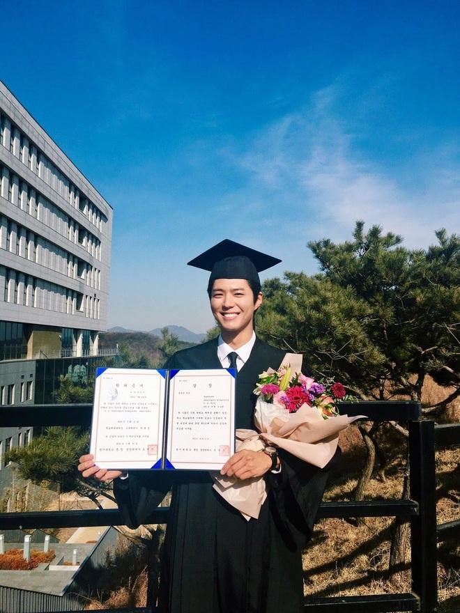 Park Bo Gum khoe ảnh tốt nghiệp như nam thần, nhưng đáng nể hơn là quá trình để lấy được tấm bằng - ảnh 4