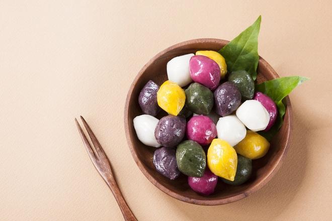 """""""Bóc giá"""" nhanh bánh Trung thu truyền thống của các nước châu Á, bánh Việt Nam tính ra còn rẻ chán - Ảnh 2."""