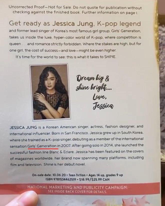 Hoãn tung tiểu thuyết, Jessica tuyên bố không phải cựu thành viên SNSD nhưng cớ sao 7749 lần để nhóm cũ làm cameo trên bìa sách? - ảnh 4