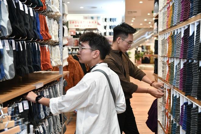 UNIQLO mở cửa hàng thứ 2 tại Hà Nội, Á hậu Huyền My chiếm spotlight trong sự kiện giới thiệu trước giờ G - ảnh 10