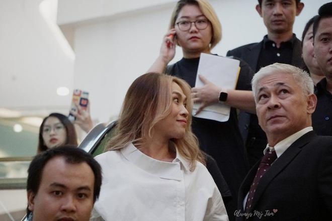 Chị đẹp Mỹ Tâm chơi quá: Đã bắt trend tóc Jennie còn diện cả nhẫn, dây chuyền hàng hiệu giống Lisa - ảnh 6