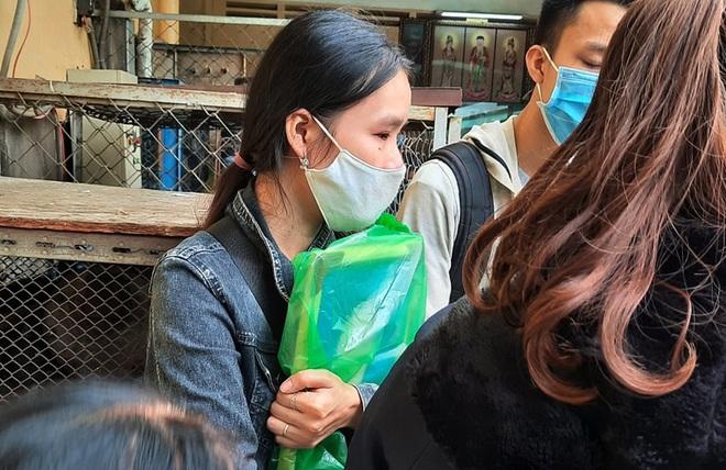 Gia cảnh đáng thương của nạn nhân bị cây xanh đè tử vong ở Sài Gòn: 2 vợ chồng cùng thất nghiệp do Covid-19, đứa con đầu chưa đầy 4 tuổi - ảnh 3