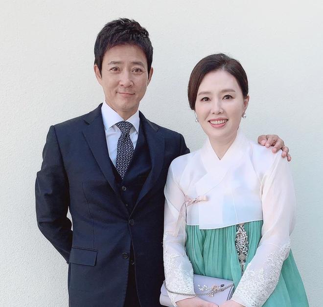 Choi Soo Jong lên top 1 Dispatch chỉ nhờ khoe ảnh bên con gái, nhan sắc ái nữ nhà tài tử Mối Tình Đầu khiến fan dậy sóng - ảnh 5