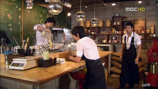 Hoá ra suýt chút Tiệm Cà Phê Hoàng Tử đã không tồn tại: Gong Yoo chê phim ngớ ngẩn, Chae Jung An chả thèm nhìn kịch bản - ảnh 7