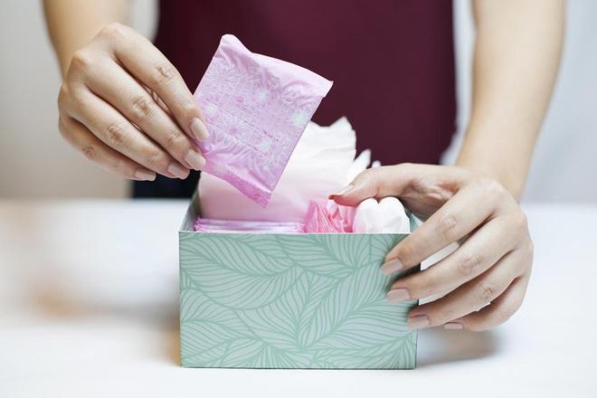 Con gái đến ngày rụng dâu cần tránh dùng 3 loại băng vệ sinh bởi chúng có thể gây hại tới vùng kín - ảnh 3