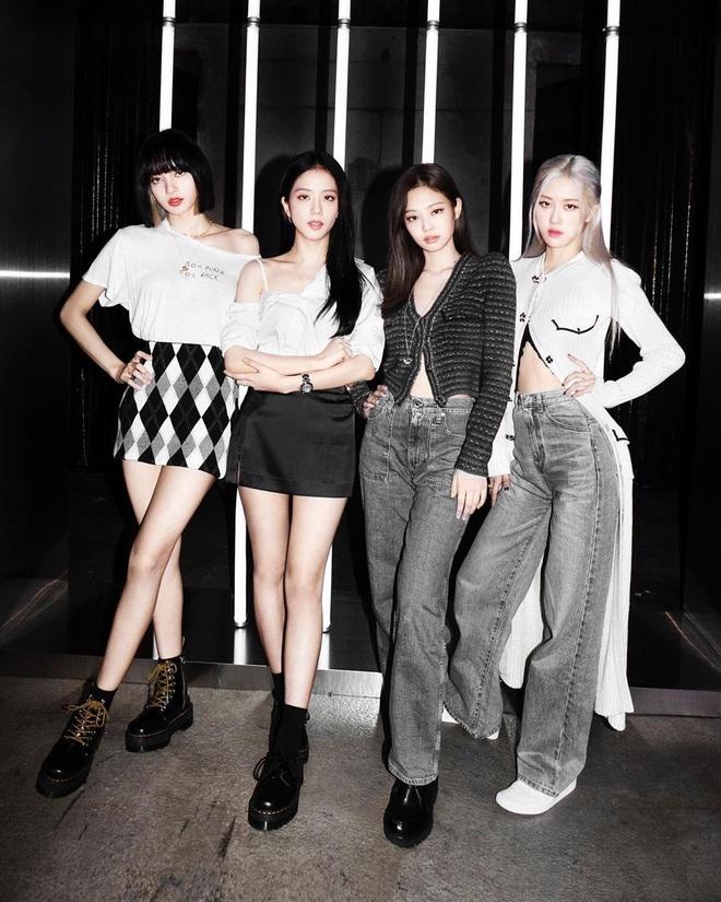 Ảnh teaser cá nhân thứ 2 của Rosé: Concept nhợt nhạt giống các chị em BLACKPINK, kiểu tóc thì thôi... fan cũng quen rồi! - ảnh 2