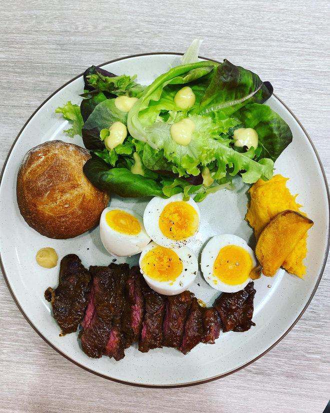 Học lỏm những bữa sáng giữ dáng siêu chất từ Lâm Tâm Như: bảo sao 44 tuổi rồi mà vẫn trẻ đẹp bất ngờ - ảnh 6