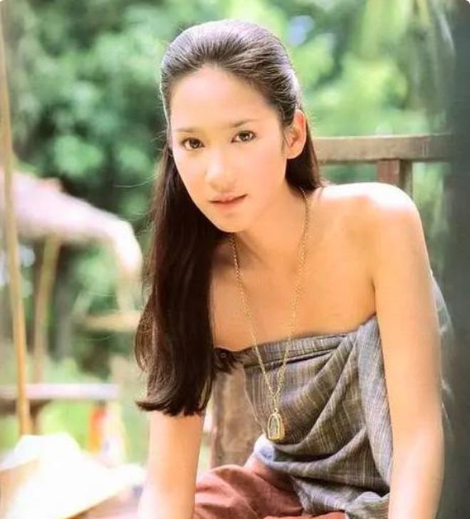 Nữ hoàng xứ Thái Aum Patcharapa: Hớp hồn Mario Maurer, gây sốc với 2 lần kéo quân đánh ghen và cái kết bên CEO gia thế khủng - ảnh 3