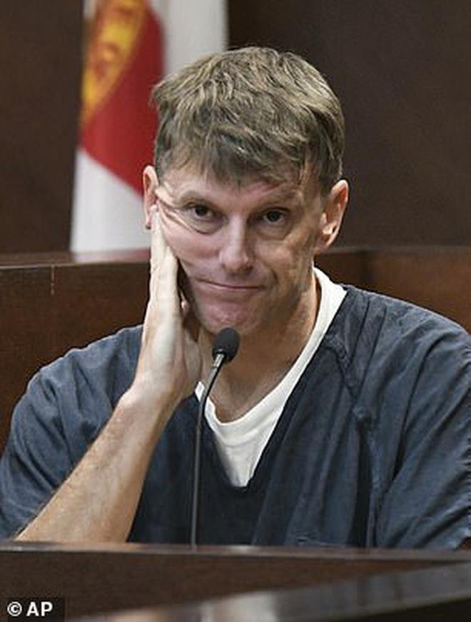 Người đàn ông bị cá sấu ăn thịt mất xác, đến 16 năm sau cảnh sát mới phát giác âm mưu thâm độc của ả vợ và gã bạn thân - Ảnh 1.