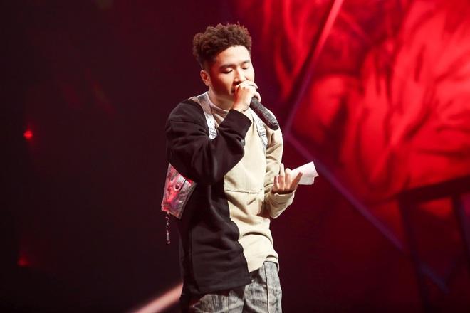 King Of Rap: Bất ngờ với bản Rap Hoa Nở Không Màu, thí sinh Rap nhạc Trịnh được book show ngay tại sân khấu - ảnh 12