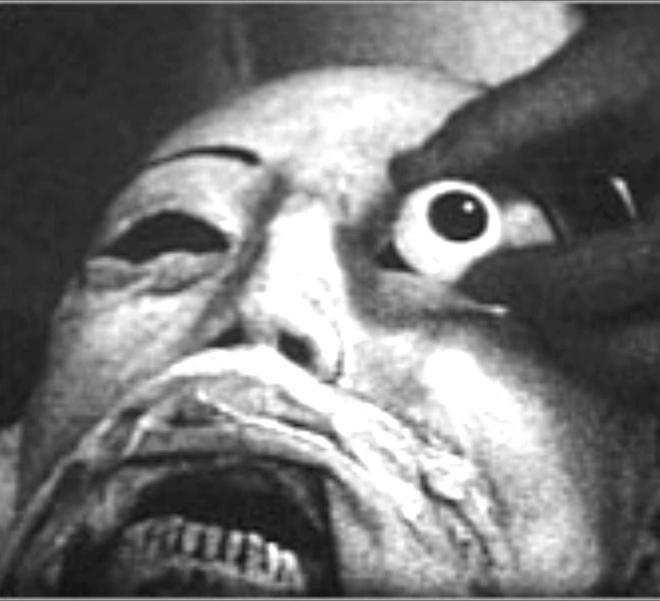 Vị bác sĩ bất chấp đi ăn trộm xác chết về để... yêu: Chuyện tình kinh dị có thật của thế kỷ 20 - ảnh 8