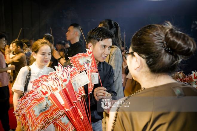 Dàn nghệ sĩ miền Bắc tề tựu tại lễ giỗ Tổ: Denis Đặng - Mạnh Quân nổi bần bật, Dương Hoàng Yến đầy tươi tắn - ảnh 4