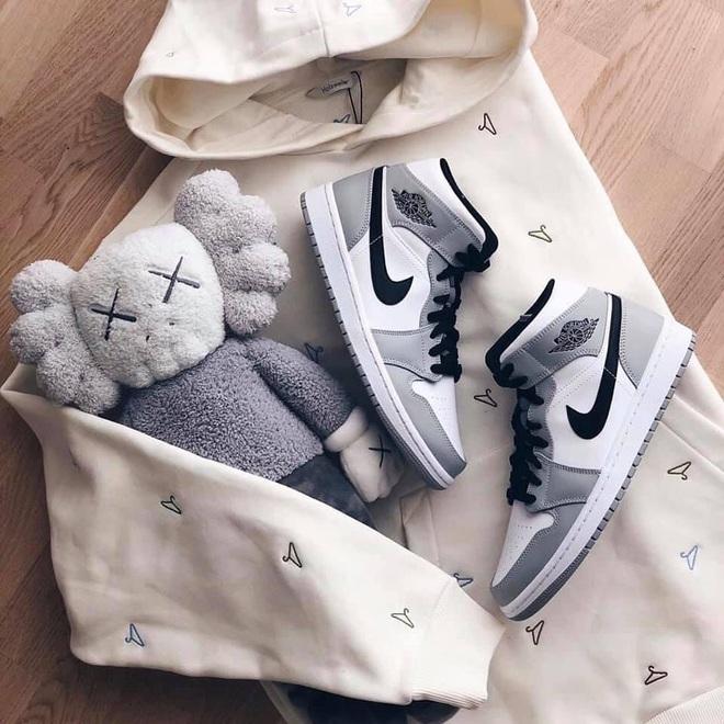 Năm nay dân tình lùng sục Nike Air Jordan quá, bạn mà không sắm là tụt trend ngay - ảnh 15