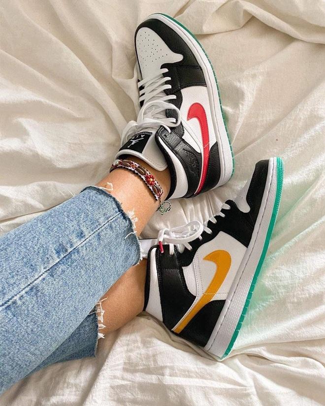 Năm nay dân tình lùng sục Nike Air Jordan quá, bạn mà không sắm là tụt trend ngay - ảnh 3