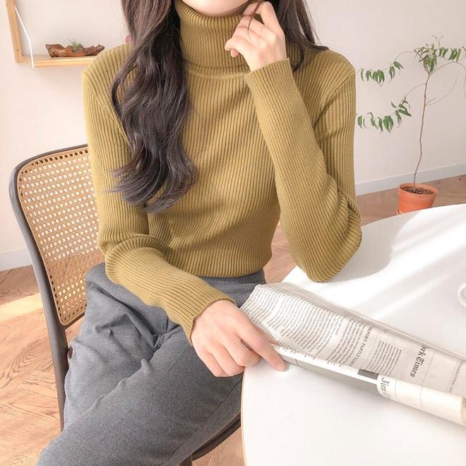Chỉ là 2 dáng áo len cơ bản nhưng lại có sức mạnh ghê gớm, có đủ thì bạn luôn mặc đẹp - ảnh 4
