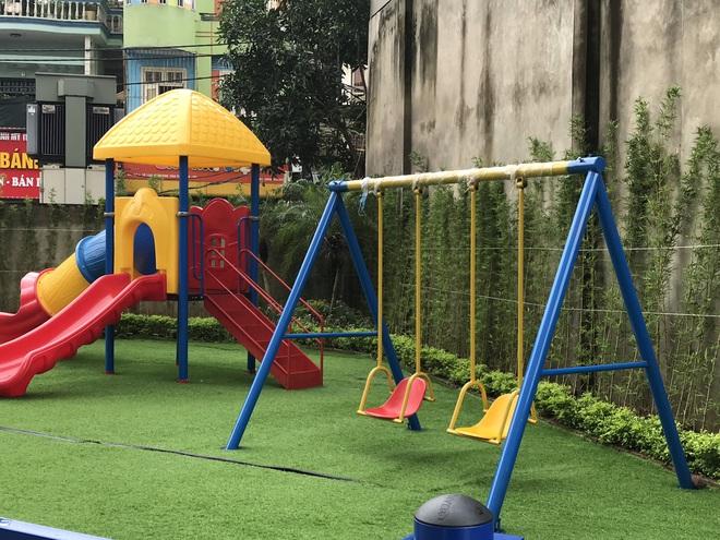 """Vụ bé gái 5 tuổi ngã gãy tay, nguy cơ bị liệt khi đang trong giờ học: """"Sẽ kiểm tra toàn bộ các trường trên địa bàn phường"""" - ảnh 5"""