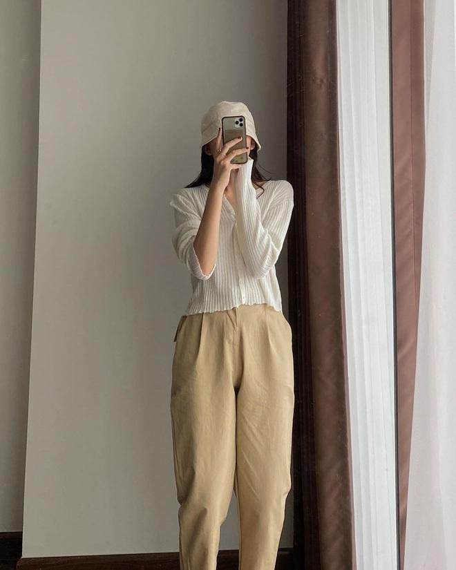 Item sắm mùa thu diện quanh năm chính là quần màu be: Đẹp mọi nơi mọi lúc, mix với áo gì cũng ok lah - ảnh 11
