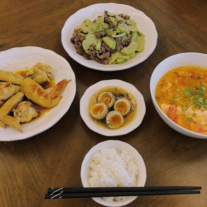 Vũ Ngọc Châm đứng ngoài hội gái đoảng với loạt món ăn tự nấu xịn như nhà hàng - ảnh 4