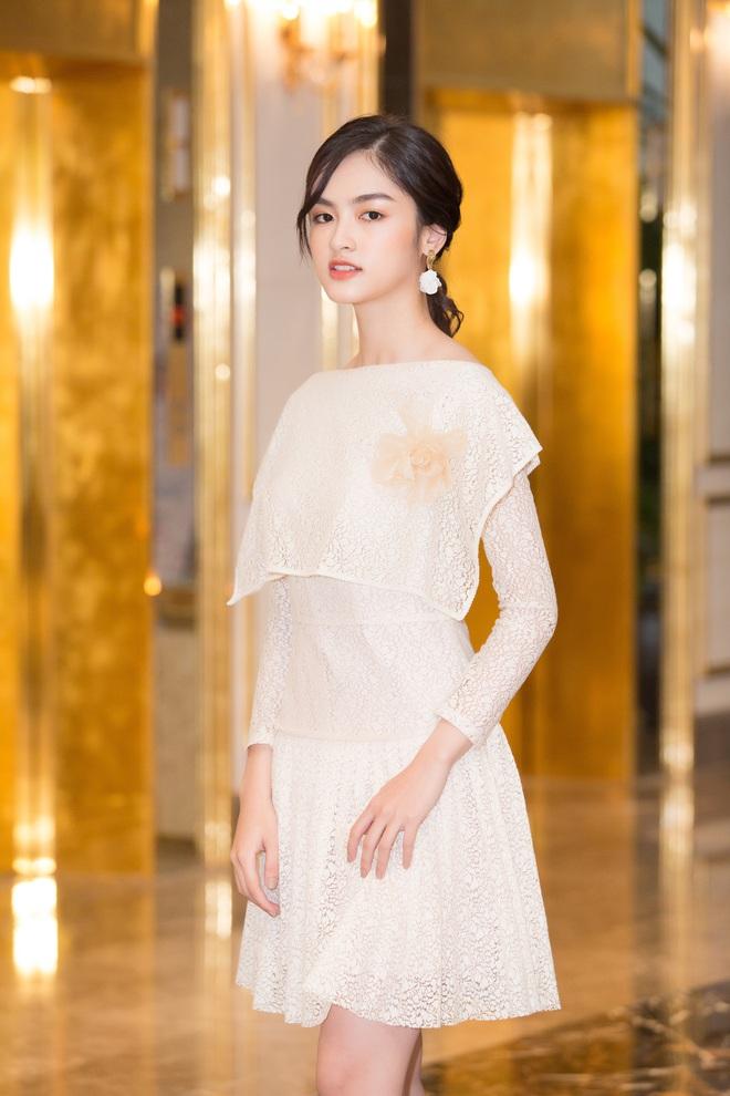 Dàn thí sinh Hoa hậu Việt Nam 2020 trên ảnh dự thi và ngoài đời, bản sao Châu Bùi và Nhã Phương có lung linh như kỳ vọng? - Ảnh 5.