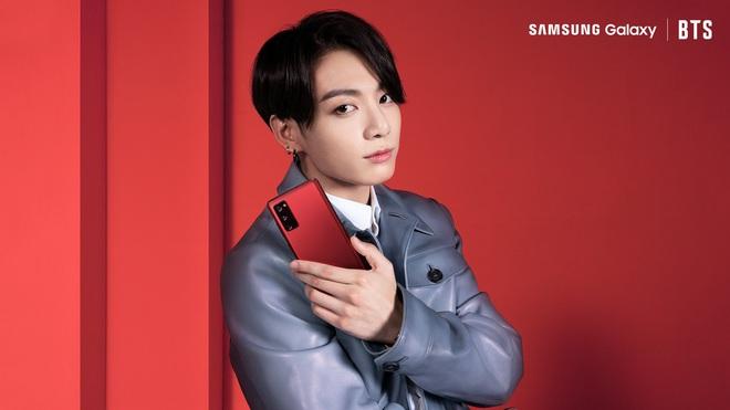 Ngắm mê mệt các chàng trai BTS đẹp hút hồn trong bộ ảnh sản phẩm mới của Samsung - ảnh 9