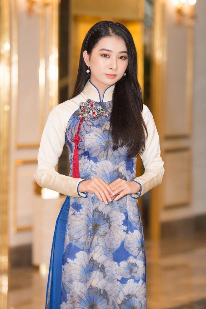 Dàn thí sinh Hoa hậu Việt Nam 2020 trên ảnh dự thi và ngoài đời, bản sao Châu Bùi và Nhã Phương có lung linh như kỳ vọng? - Ảnh 6.