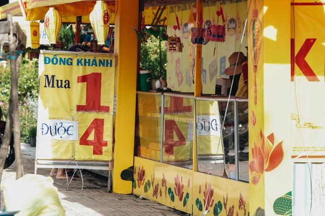 Bánh trung thu lề đường ở Sài Gòn: Mua 1 tặng 3 nhưng giá bằng 4 cái - ảnh 4