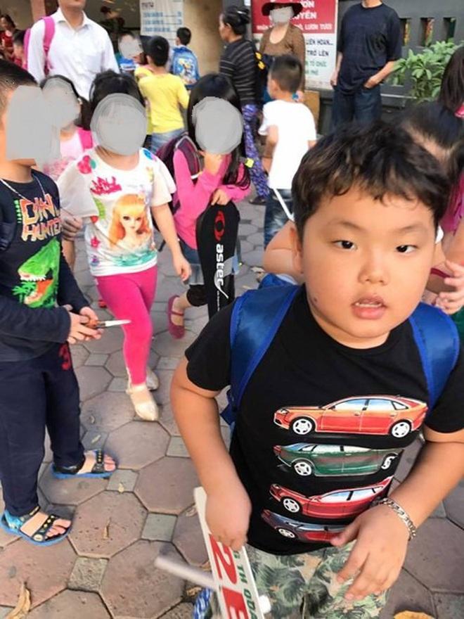 Sao Việt hồi hộp đưa con đi khai giảng, hài nhất là màn review cặp sách siêu lầy của con trai Xuân Bắc - Ảnh 2.
