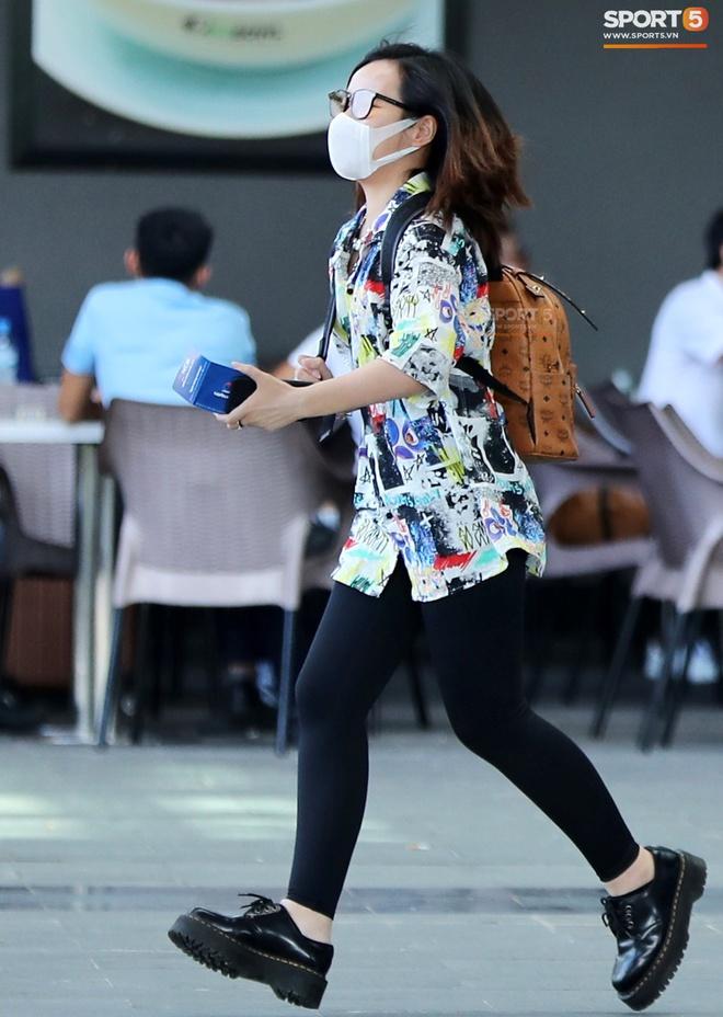 Cô dâu Viên Minh diện đồ cá tính khi cùng Công Phượng tới Phú Quốc - ảnh 3