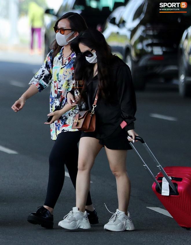 Cô dâu Viên Minh diện đồ cá tính khi cùng Công Phượng tới Phú Quốc - ảnh 4
