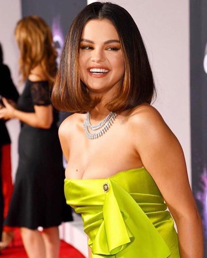 Team qua đường bắt gặp Selena Gomez hẹn hò cùng sao bóng rổ: Dân tình phát cuồng, nhao nhao đòi bằng chứng xác thực mới chịu tin - ảnh 8