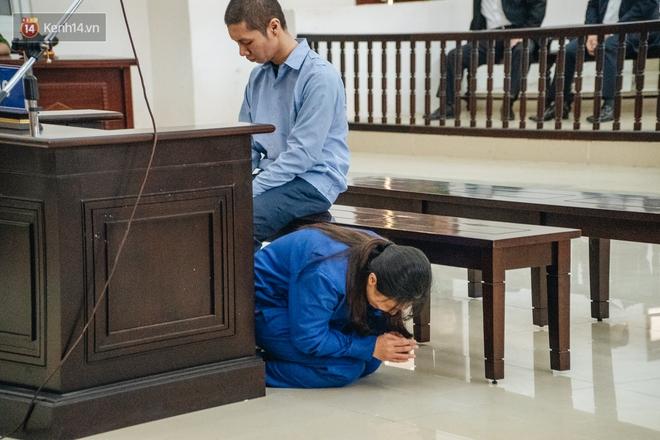 Bốn lần quỳ lạy, chắp tay xin lỗi của người mẹ bạo hành con đến chết: Không 1 lần nào lời xin lỗi dành cho bé M. - Ảnh 2.