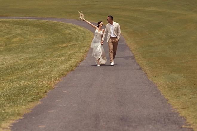 MC Thu Hoài tung tiếp bộ ảnh đẹp mê mẩn với hôn phu CEO, đang đếm ngược đến ngày cưới rồi kìa - ảnh 2