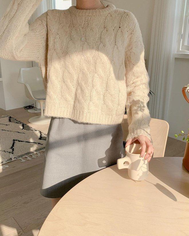 Những set đồ màu trà sữa đang được gái Hàn chưng diện ồ ạt, bạn nên bắt chước theo ngay - Ảnh 3.