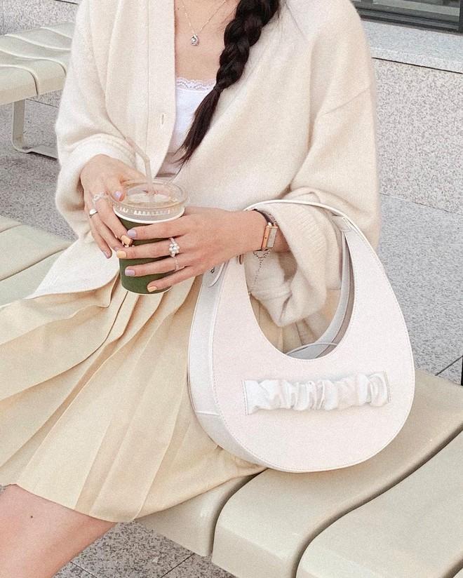 Những set đồ màu trà sữa đang được gái Hàn chưng diện ồ ạt, bạn nên bắt chước theo ngay - Ảnh 4.