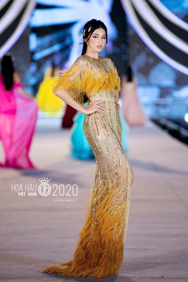 Profile 2 nàng Á hậu Việt Nam 2020: Người có combo thủ khoa Ngoại thương và học bổng RMIT, người là con của Võ Hoàng Yến? - ảnh 8