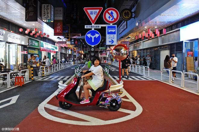 Bị phản đối rần rần, phố Nhật Bản pha-ke ở Trung Quốc lặng lẽ đóng cửa sau 2 tháng trở thành tụ điểm sống ảo của giới trẻ - ảnh 7
