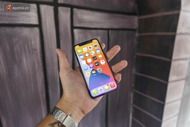 Trải nghiệm iPhone 12 Mini: Nhỏ gọn, lọt thỏm trong lòng bàn tay! - ảnh 6