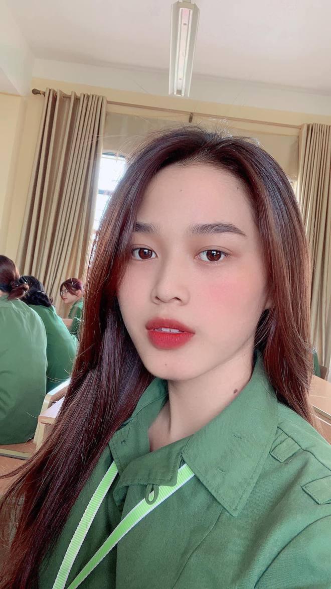 Tân Hoa hậu Việt Nam Đỗ Hà gây sốt với ảnh học quân sự xinh hết phần thiên hạ - ảnh 1