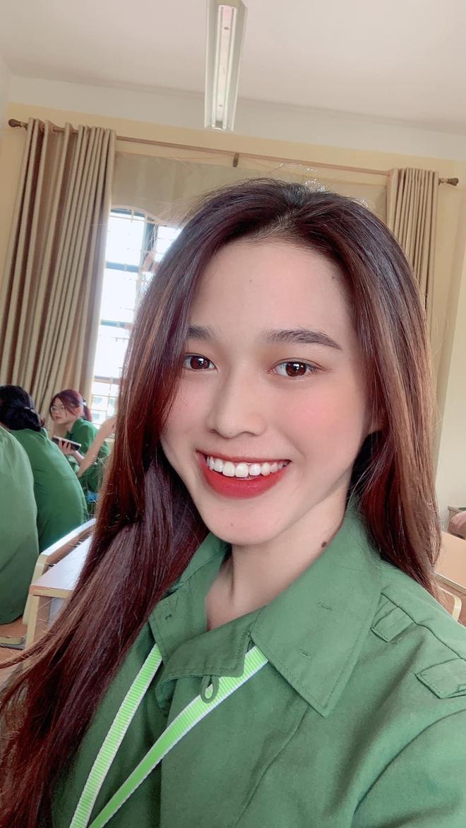 Tân Hoa hậu Việt Nam Đỗ Hà gây sốt với ảnh học quân sự xinh hết phần thiên hạ - ảnh 2