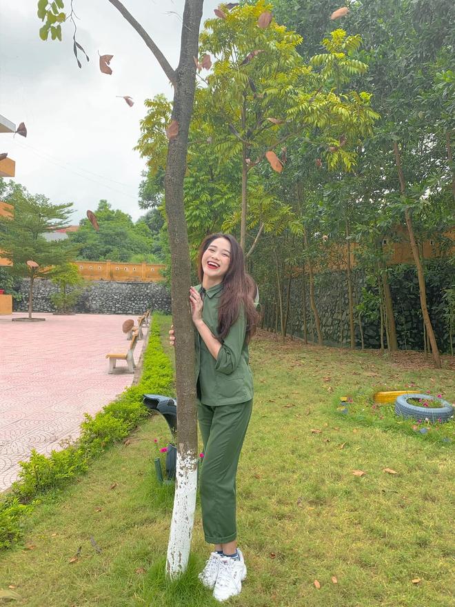Tân Hoa hậu Việt Nam Đỗ Hà gây sốt với ảnh học quân sự xinh hết phần thiên hạ - ảnh 4